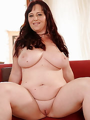 GRANNY,BBW AND MILFS 5