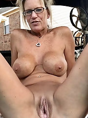 Nakedandsemi-naked granny selfies