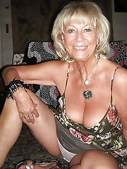 HQ mature lass is getting nude on cam