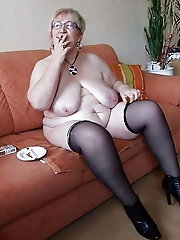 Spanish mistress is spreading her pussy lips for cash